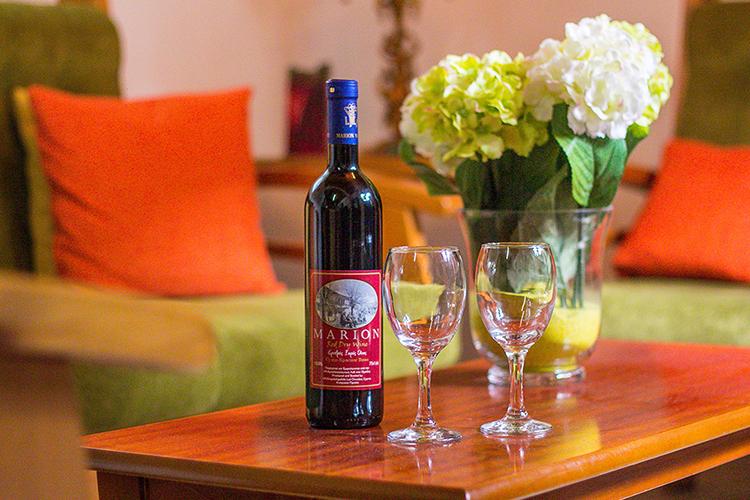 Omoads Wine